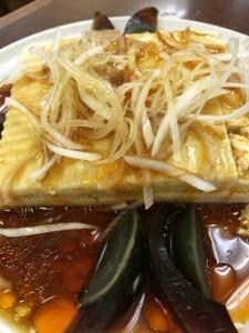 金春 豆腐とピータン